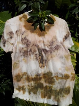 Eco-dyed tee shirt with euc and onion