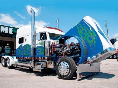 0808dp_04_z+custom_big_rig_truck_show+sandvik_peterbilt