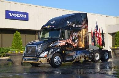 2014-volvo-vnl-670-memorial-edition-truck-front
