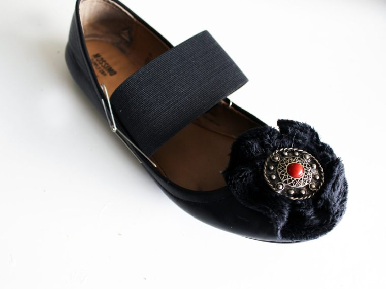 Refashion your boring flats into cute Mary Janes with this quick and easy DIY.