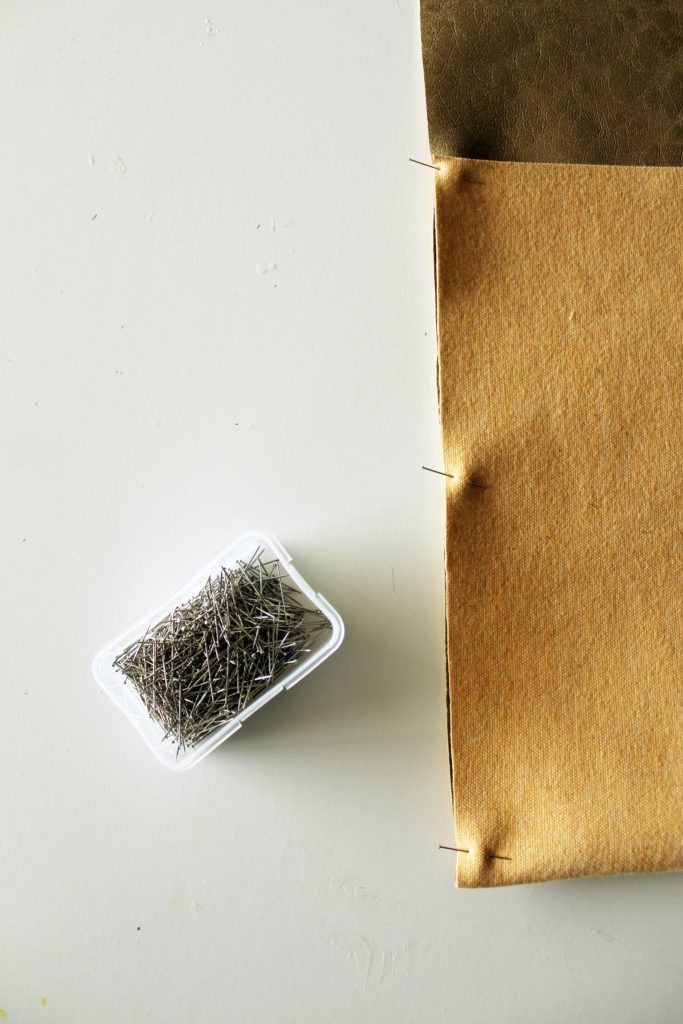 Make a basic DIY Messenger Bag -