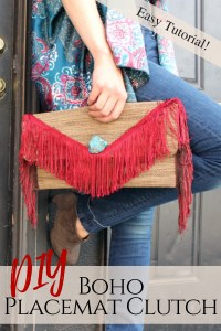 DIY this fringe woven clutch out of a kitchen placemat in less than 30 minutes .