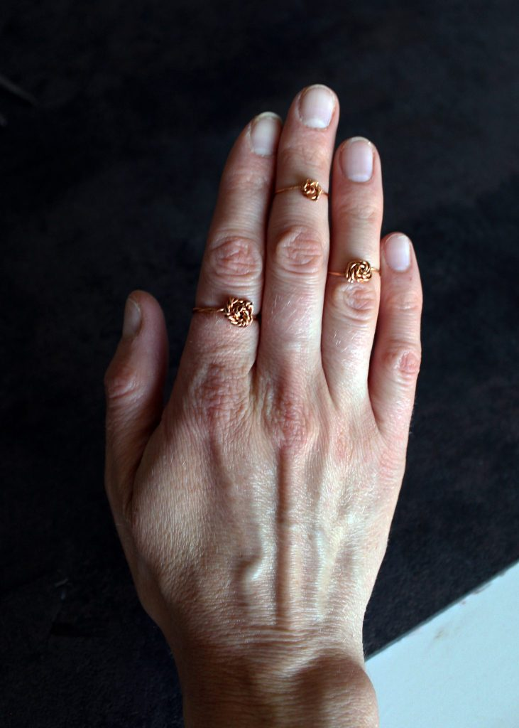 How to Make these DIY simple wire stacking rings