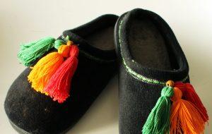 Easy DIY Slippers Tutorial with DIY Tassels
