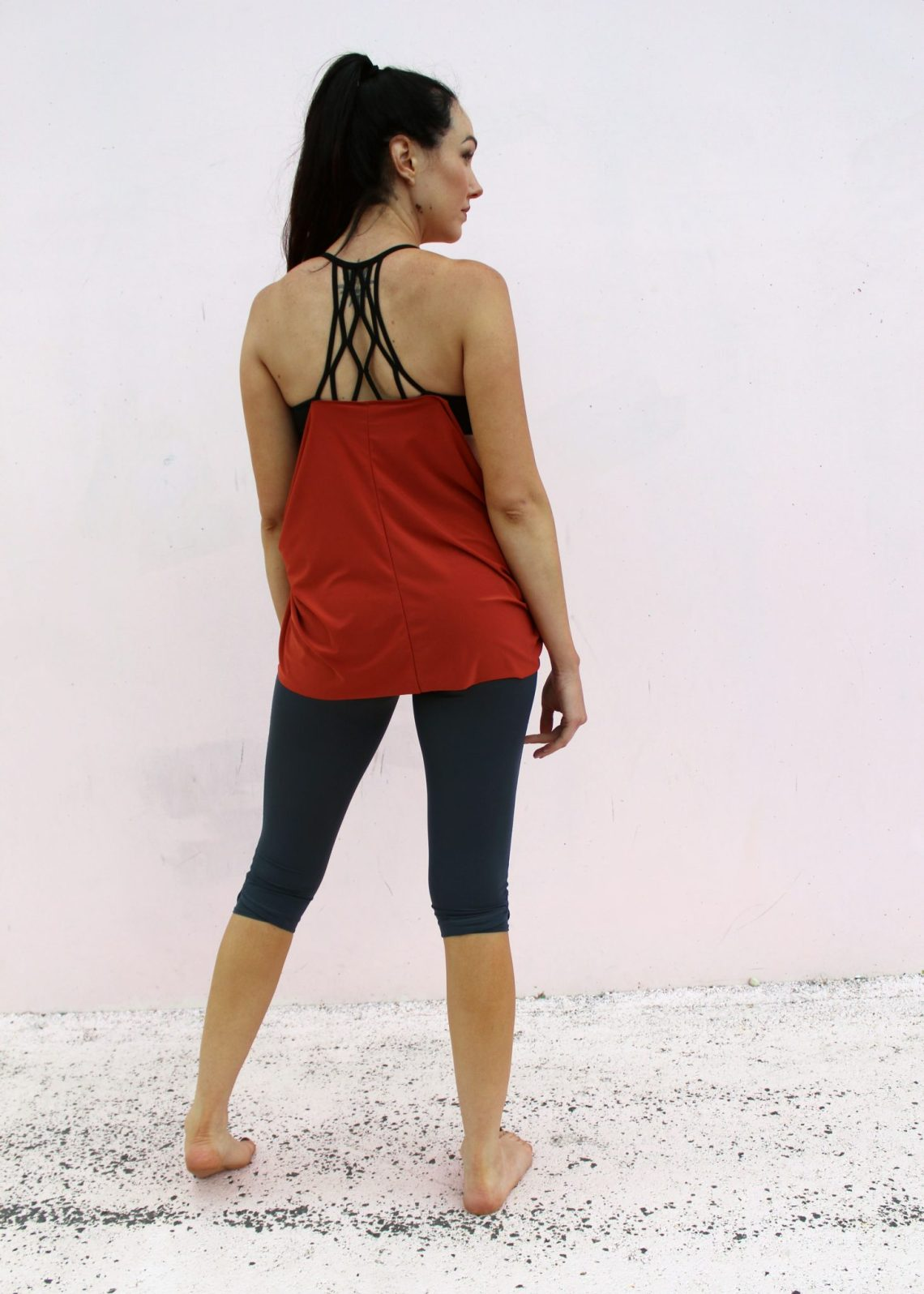 diy workout shirt tutorial . lulu lemon knockoff .