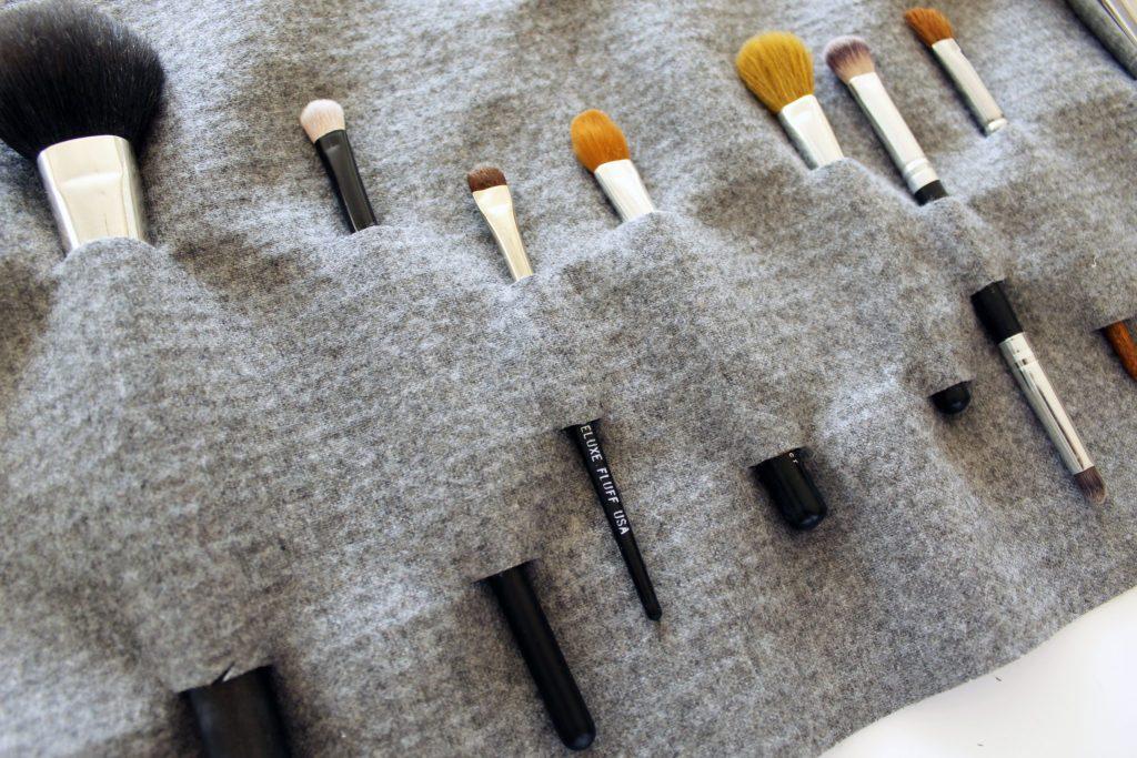 Easy DIY Makeup Brush Holder For Travel