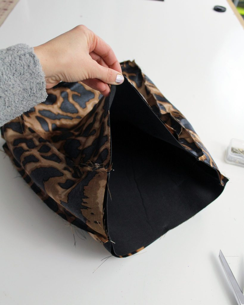 How to add lining to a diy leather tote bag