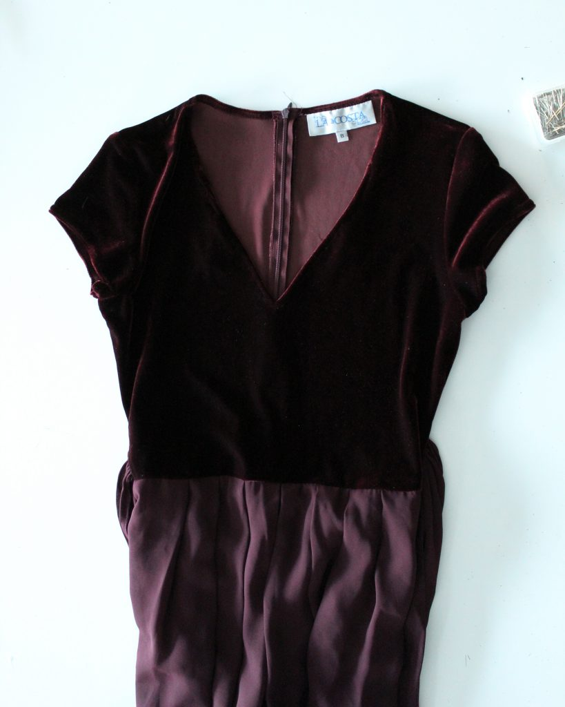 How to change the neckline of a top from a scoop neck to a v neck quick and easy