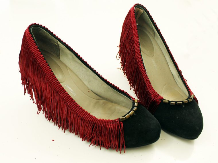 Fringe Heel makeoever. How to refashion your shoes with boho embellishments
