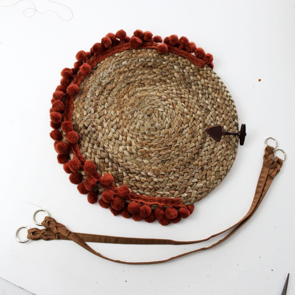 How to make a woven purse from recycled charging plate