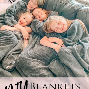 How to make an easy DIY Snuggle Blanket with sleeves