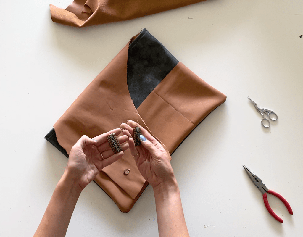 leather laptop pouch DIY tutorial step 3