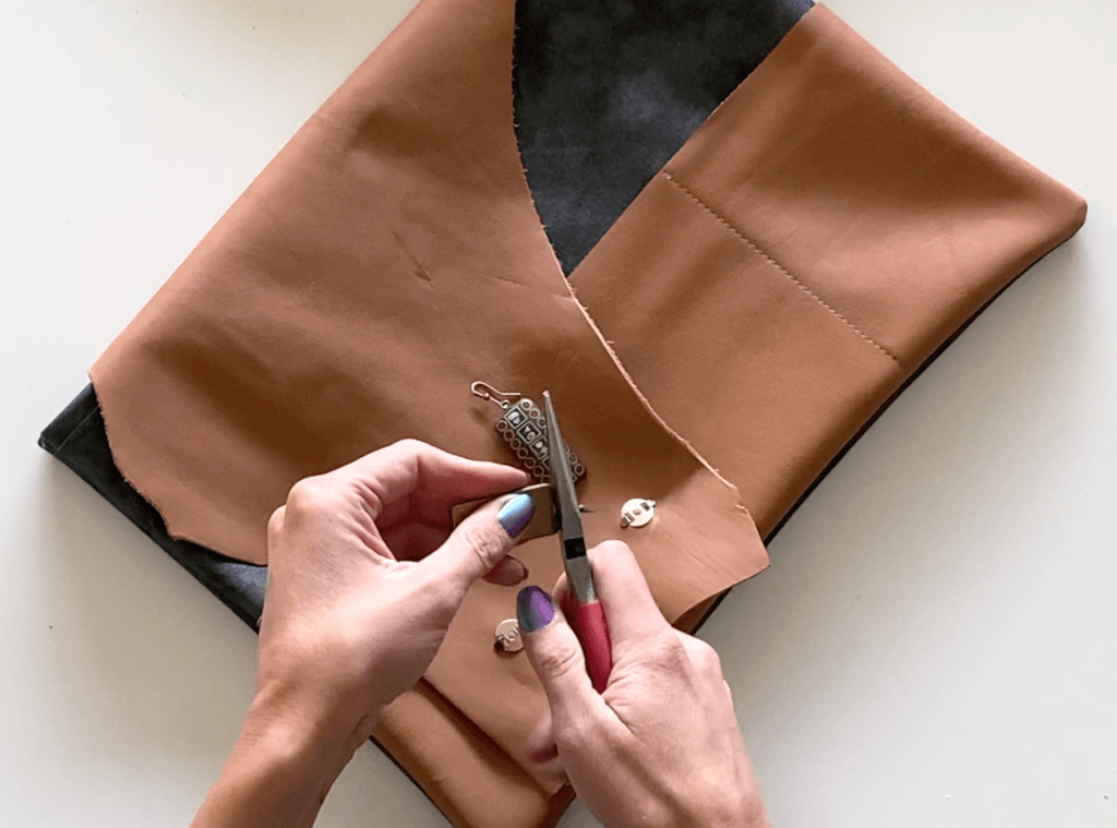 leather laptop pouch DIY tutorial step 2