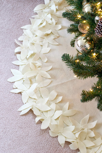 DIY Tree Skirt and other Christmas Sewing Projects