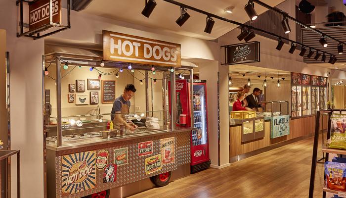 Pathé popcorn corner & hotdogstand