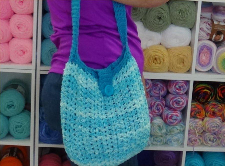 blue beach bag THIS ONE PHOTO