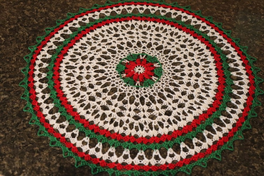 thumbnail_# 561 Touch of Christmas Doily