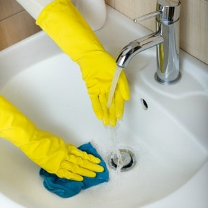 removing hard water stains in sinks