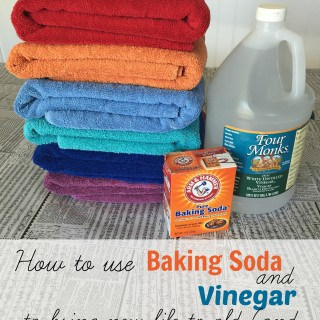 How to Clean Towels and Get Them Really Clean with Baking Soda and Vinegar