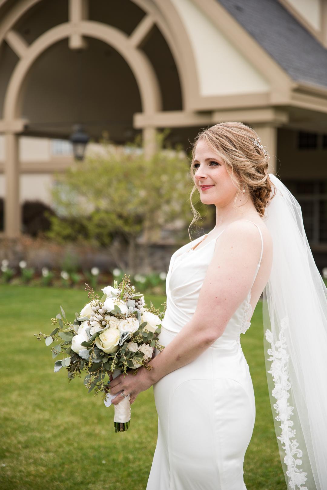 bride outside Whitemarsh Valley