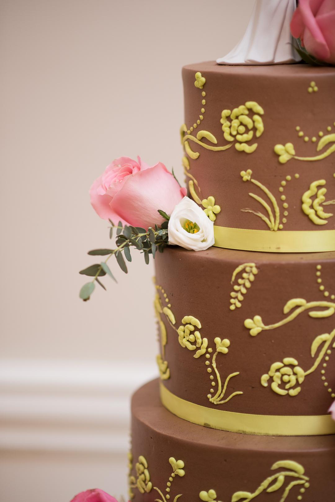 May wedding cake