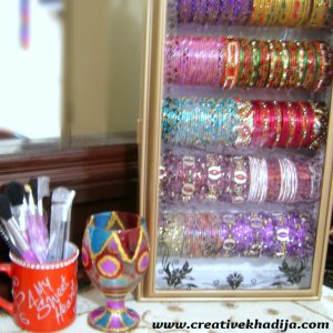 glass bangles stand