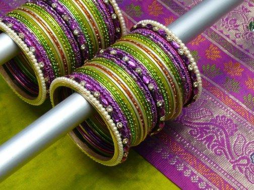 Glass-Bangles-Design-Styles