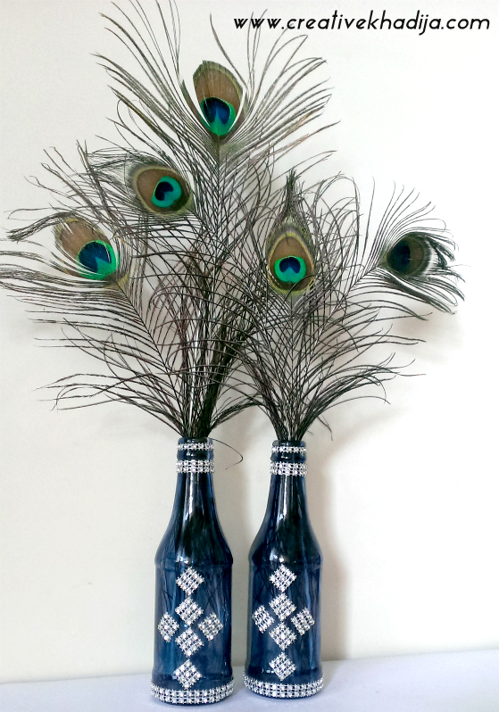 peacock feathers in vase decoration