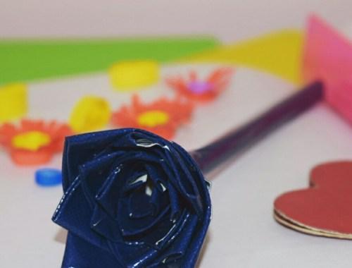 duct-tape-flowers-making-handmade