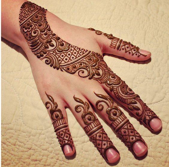 curved mehndi design for eid