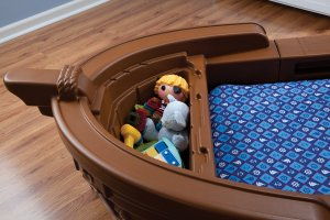Pirate-ship-toddler-bed-detail