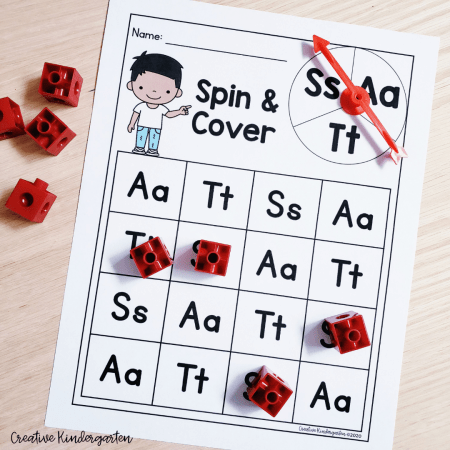 Try these fun and engaging alphabet centers. Use a spinner and cover the letter you land on. Great for letter recognition and letter formations. Try these with your literacy centers and differentiate them to meet the needs of your students.