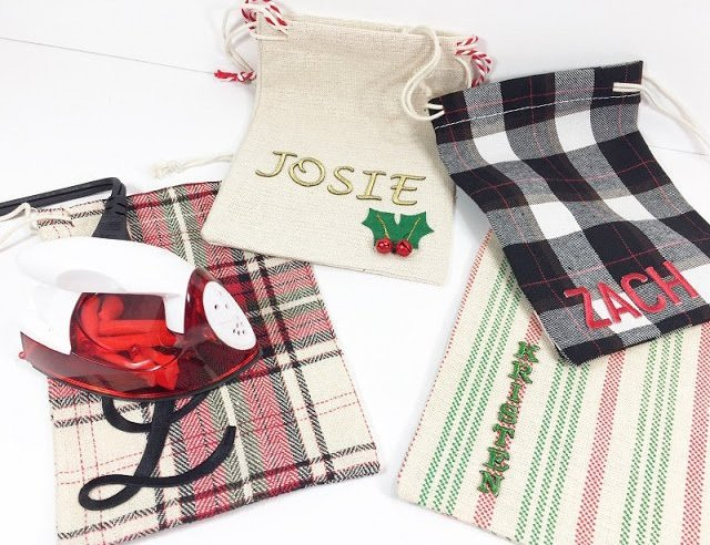 Joy Iron-On and Embroidered Letters makes it easy! #creativelybeth #30minutecrafts #personalizedgiftbags #christmascrafts