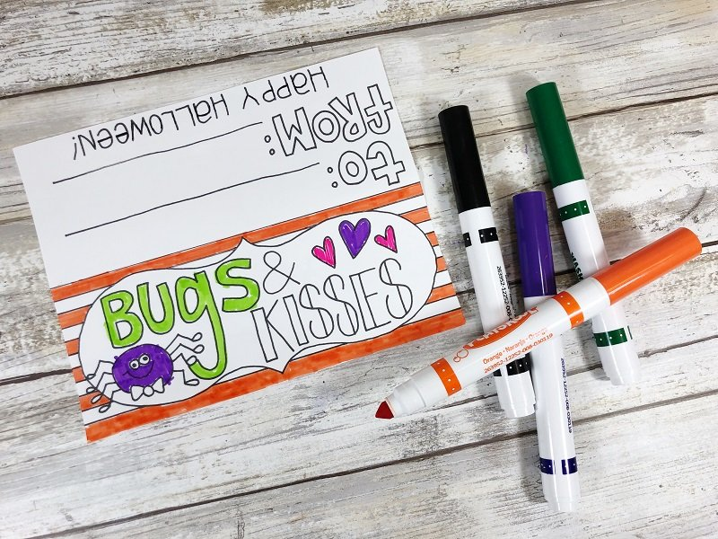 Have the kids color the Bugs and Kisses treat topper from Creatively Beth #freeprintable #halloween