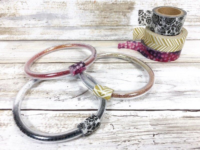 Creatively Beth wrap with washi tape to finish bracelet #creativelybeth #craftlightning #glitter #crafts #jewelry #15minutecrafts
