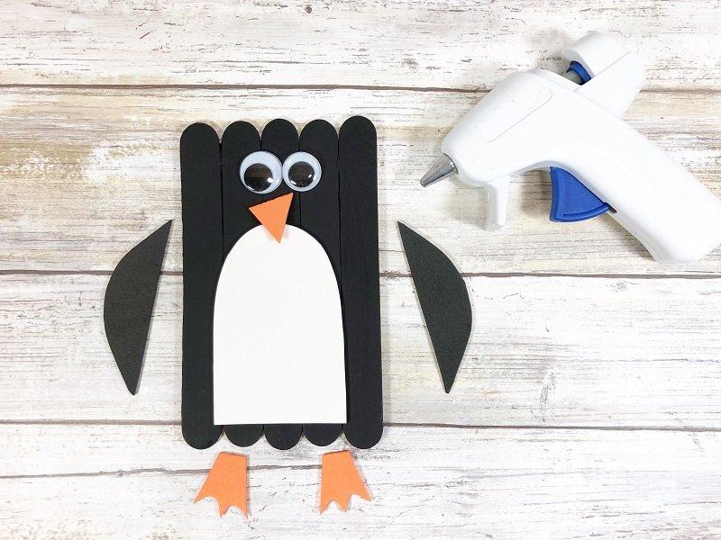 Penguin Craft Stick Arctic Animals Creatively Beth #creativelybeth #craftstickcrafts #dollartreecrafts #kidscrafts