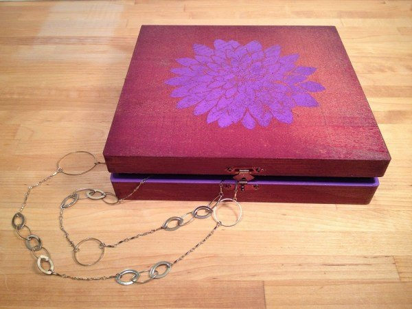 How to add foil to a jewelry box with Tombow MONO Multi Liquid Glue