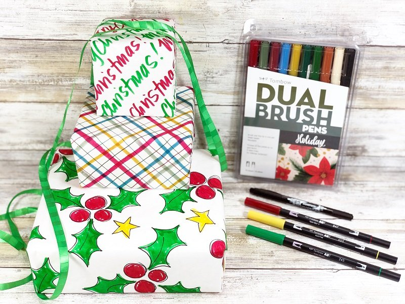 Create DIY Christmas Wrapping Paper with Tombow Dual Brush Pens Creatively Beth #creativelybeth #christmas #wrappingpaper #tombowdualbrushpens #doodle #plaid #handlettering