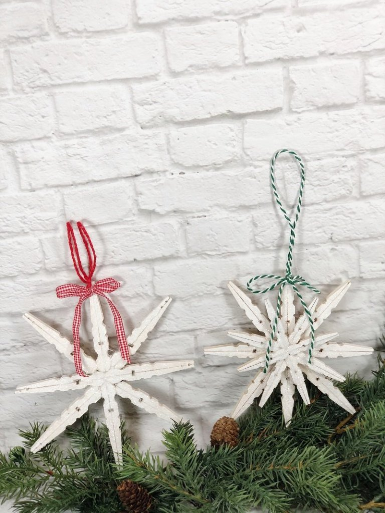 DIY Glittery Clothespin Snowflake a Dollar Tree Christmas in July Craft Creatively Beth #creativelybeth #christmasinjuly #christmasornament #dollartreecraft #snowflake #clothespin