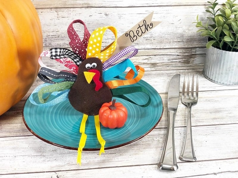 Rainbow Ribbon Turkey Decorations for Thanksgiving Creatively Beth #creativelybeth #thanksgiving #decor #decorations #placecards #centerpiece #ribbonturkey