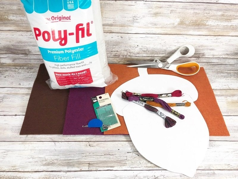Materials needed for the Easiest Autumn Acorn Pillow by Creatively Beth #creativelybeth #polyfil #fairfieldworld #autumnhomedecor #easysewingproject