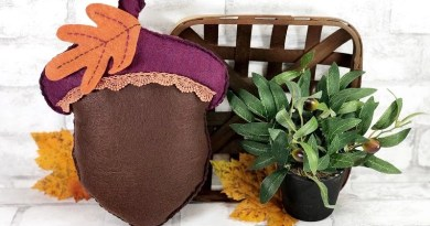 The Easiest Autumn Acorn Pillow with Poly-Fil from Fairfield World by Creatively Beth #creativelybeth #polyfil #fairfieldworld #autumnhomedecor #easysewingproject