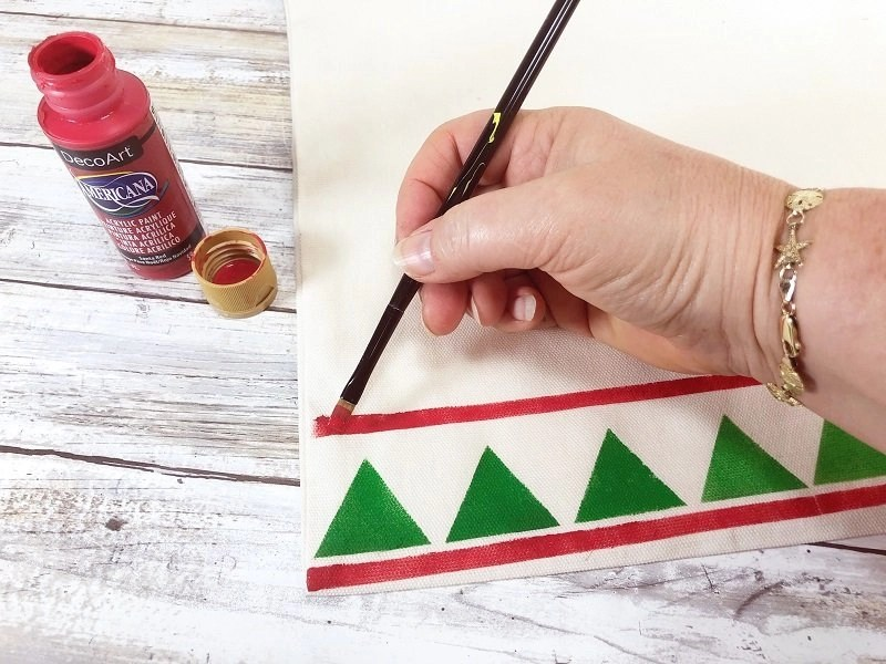 Clean up any mistakes with a paintbrush Creatively Beth #creativelybeth #fairfieldworls #uglychristmassweater #pillowparty2020 #stenciled #decoart