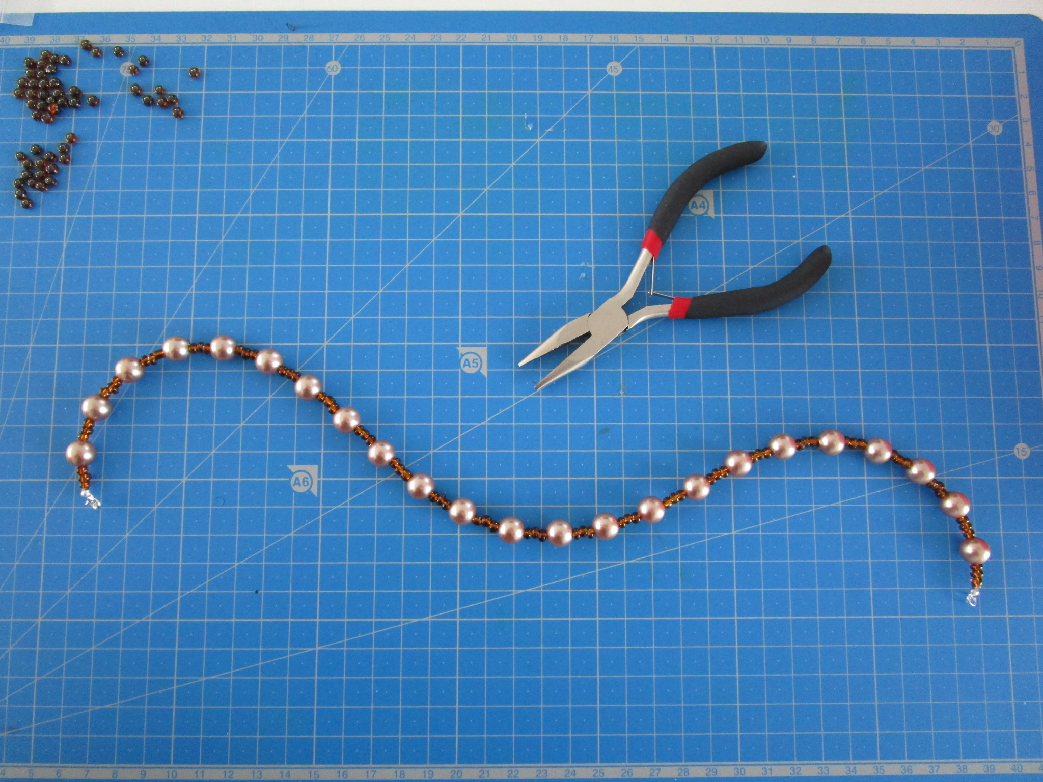 collier fil nylon