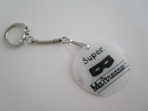 DIY: porte clé Super maitresse plastique dingue