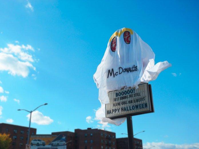 burger-king-clash-mcdonalds-halloween