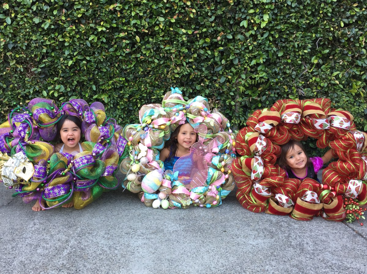 Tutorial On How To Make A Decomesh Wreath