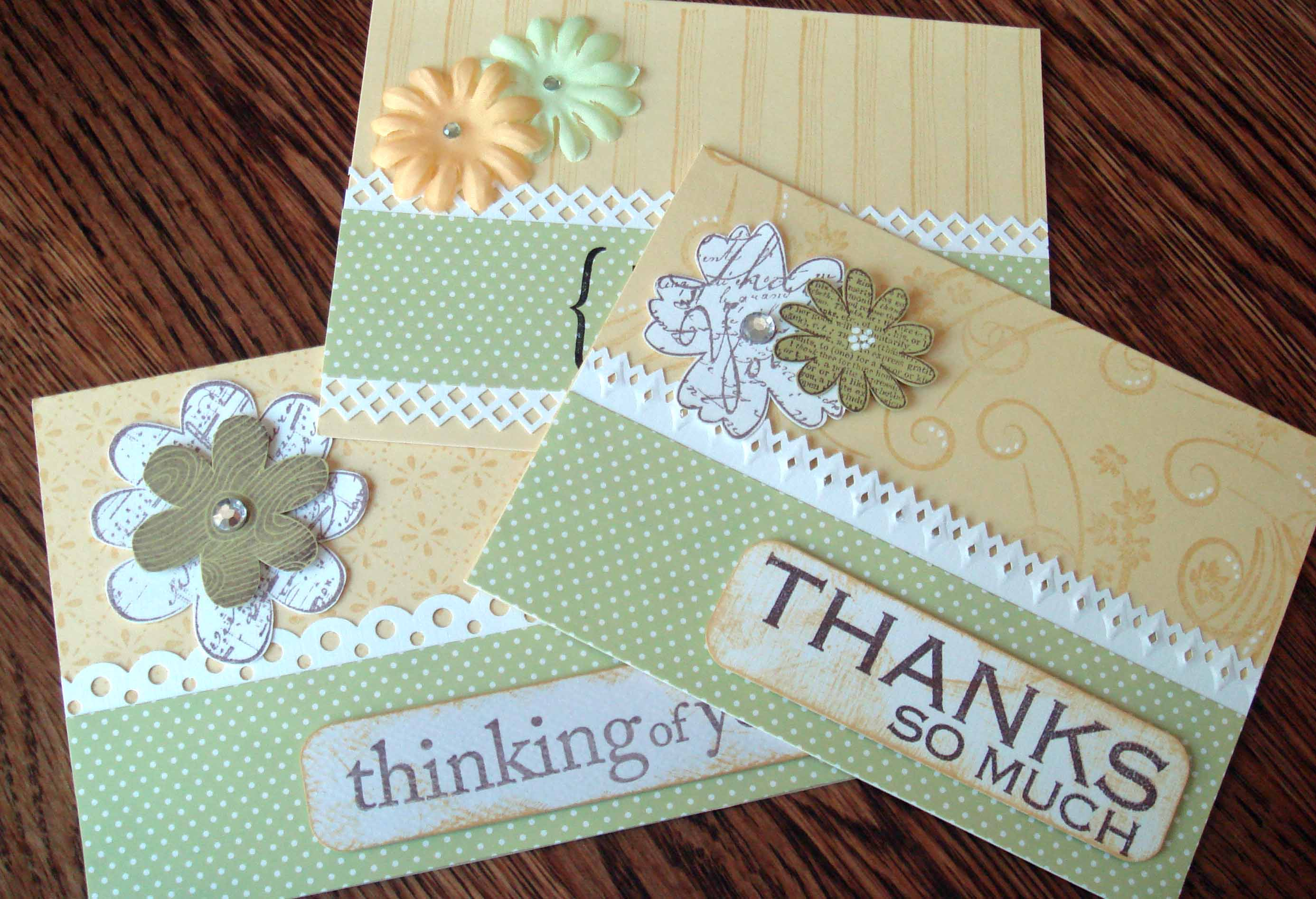 yellow set 3 cards flowers