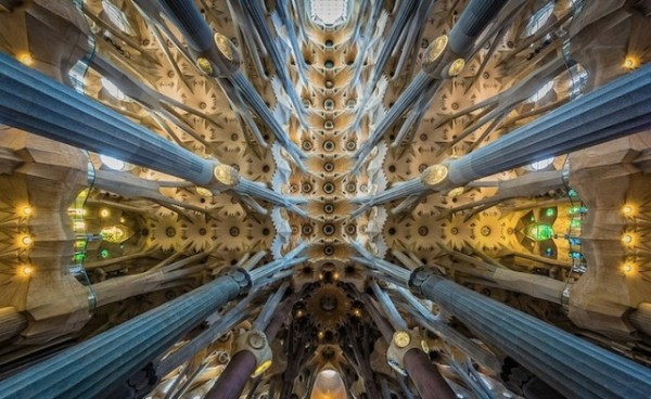Sagrada-Familia-Perspectives7-640x393