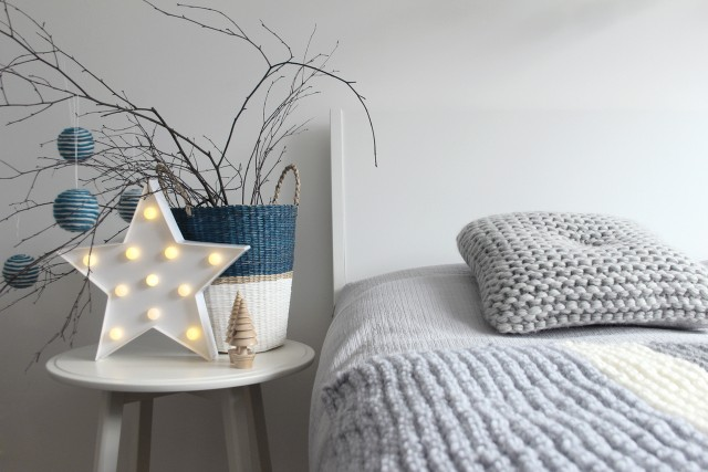 Holiday Home decor for the modern day bedroom | Creative WIfe & Joyful Worker